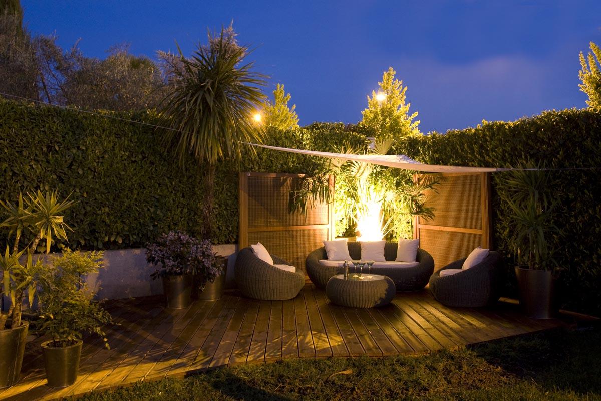 Terrasse toile tendue avec mobilier