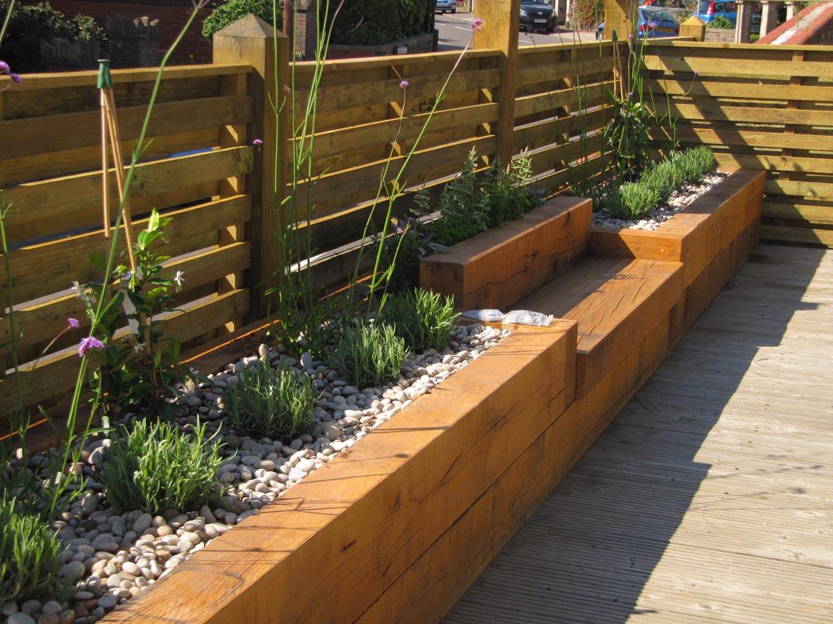 Terrasse En Bois Et Jardin jardin méditerranéen avec implantation piscine et terrasse